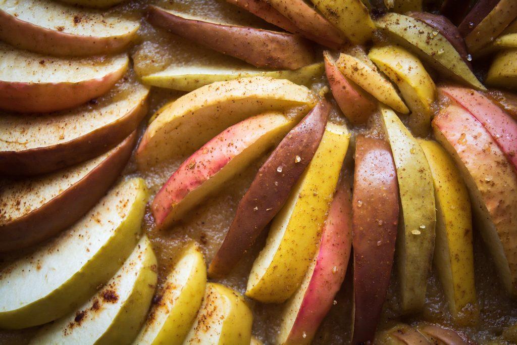 Macrophotographie tarte aux pommes vegan